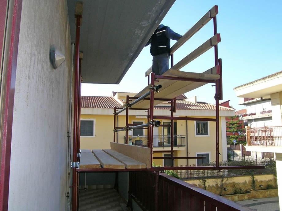 Ponteggio balcone o terrazzo a Roma - MA.VI. Ponteggi Edilizia